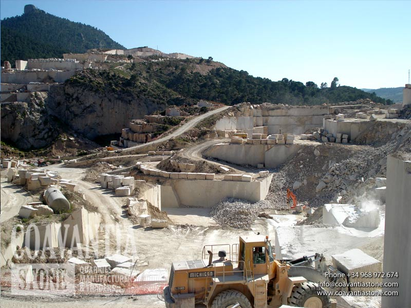 Pink zarci quarry and to fund the Picasso Red Mountain. In the picture you can see the machinery working on the extraction