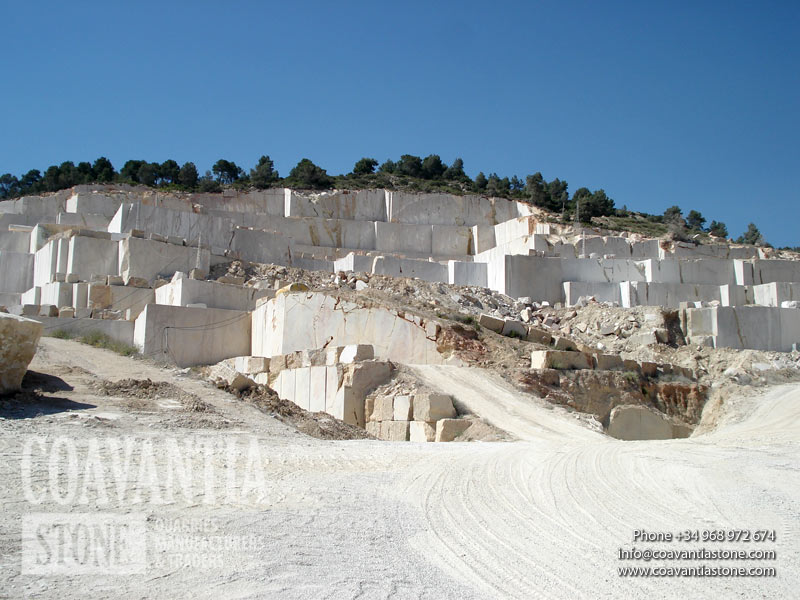 Photo from the top of the quarry made ​​from the base